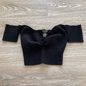 Black off the shoulder cropped tee